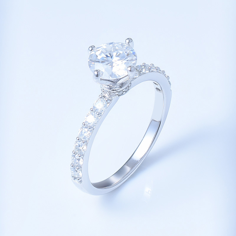 Round Shape Wedding Diamond Ring